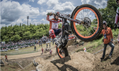 Toni Bou dominates Motegi with a double